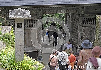 Het bezoeken van de tempel