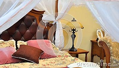 Het binnenland van het beddegoed en van het meubilair