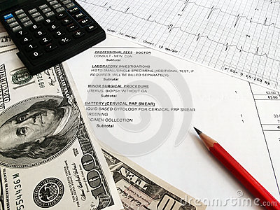Het controleren van medische rekeningen