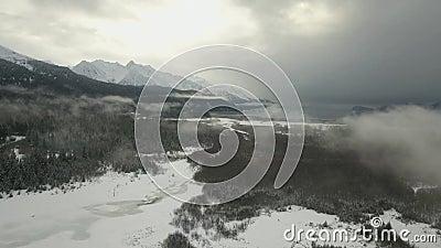 Het de winteronweer op het is manier aan Alaska stock video