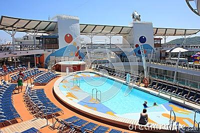Het dekOase aan boord van de pool van het Overzees Redactionele Stock Afbeelding