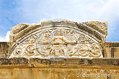 Het detail van de kwal van de Tempel van Hadrian, Ephesus