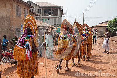 Het Festival van Otuoukpesose - Itu Maskerade in Nigeria Redactionele Foto