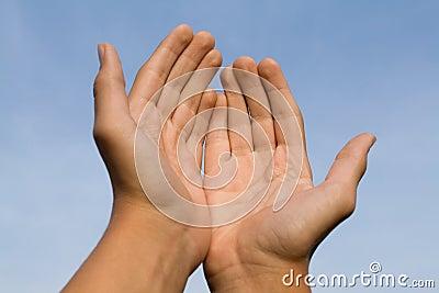 Het gebaar bidt