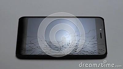 Het gebroken LCD scherm van smartphone, defecte smartphone hd stock videobeelden