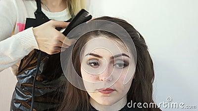 Het gezicht van het model Barber stock footage