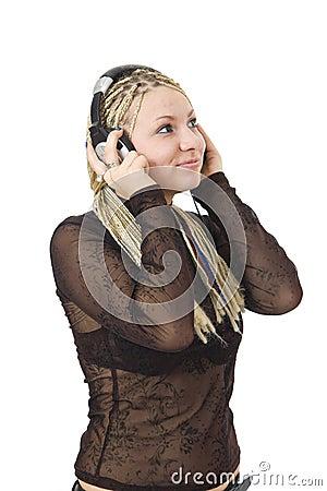 Het jonge meisje met hoofdtelefoons