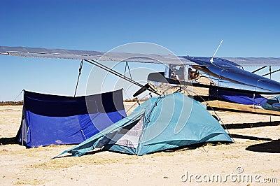 Het kamperen bij luchthaven 2