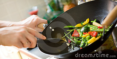 Het koken van de chef-kok