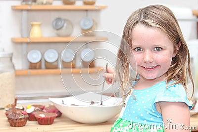 Het koken van het kind of van het jonge geitje