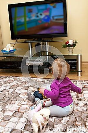 Het letten op van de baby televisie