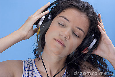 Het luisteren muziek