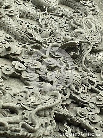 Het metselwerkstandbeeld van de draak