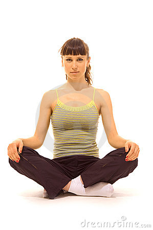 Het ontspannen van de vrouw na het trainen