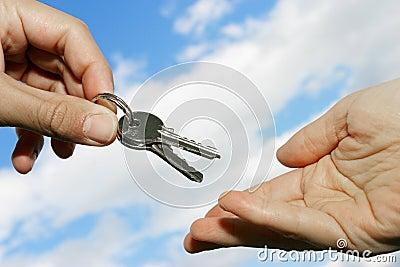 Het overhandigen van sleutels