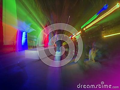 Het overleg van de nachtclub of van de rots het dansen