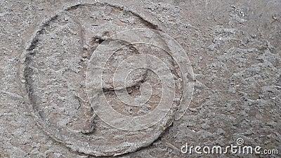 Het parkeren teken Metaal laatstgenoemde P Textuur van roestig metaal in de vorm van laatstgenoemde P stock footage