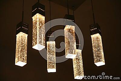 Het plafondlicht van het kristal