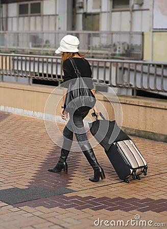Het reizen van de vrouw