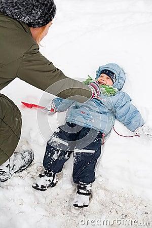 Het spelen in sneeuw