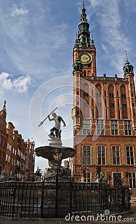 Het stadhuis en Neptunus van Gdansk