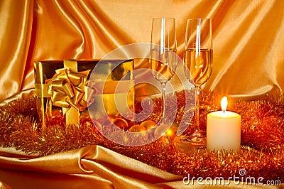 Het stilleven van Kerstmis van het nieuwjaar in gouden tonen
