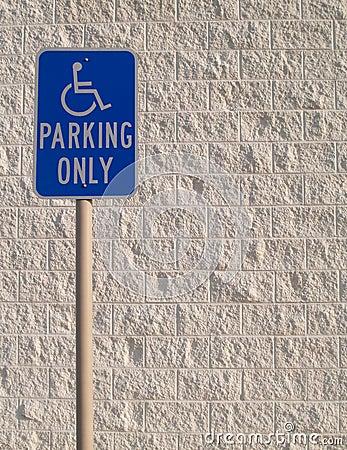 Het Teken van het Parkeren van de handicap met Witte Geweven Backgrou