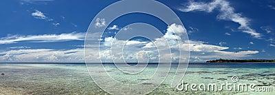 Het turkooise Tropische Polynesische Oceaanoverzees Crystal Water Borneo Indonesia van het Paradijspalm beach