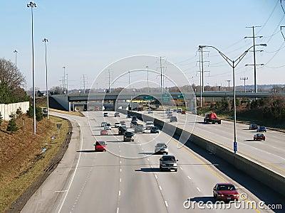 Het verkeer van de snelweg