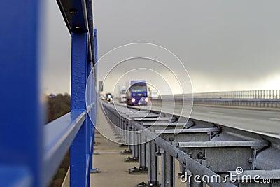 Het verkeer van de weg