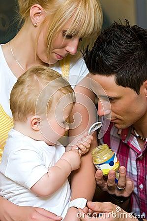 Het voeden van een baby