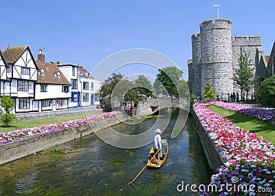 Het wegschoppen in Canterbury