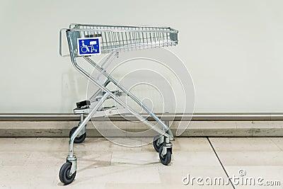 Het winkelen karretje voor gehandicapten