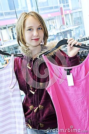 Het winkelen van de tiener