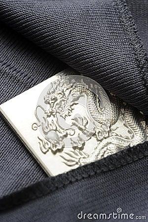 Hiding engraving dragon