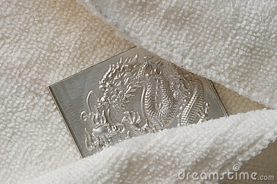 Hiding engraving dragon