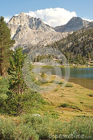 High country Rae Lake in the California wilderness