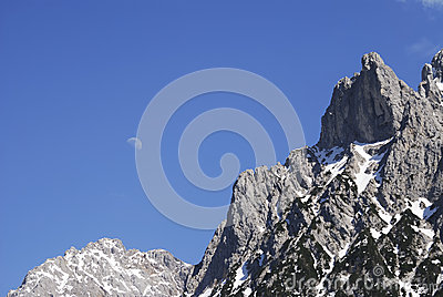 High Mountain Stock Photo - Image: 24992890
