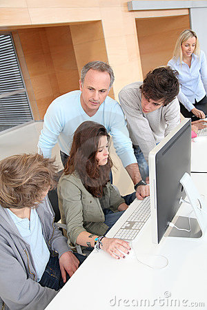 High-schoolers in computer training