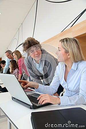 High-schoolers in computer training
