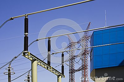 High voltage power isolators