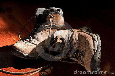 Hiking Boots Unlaced