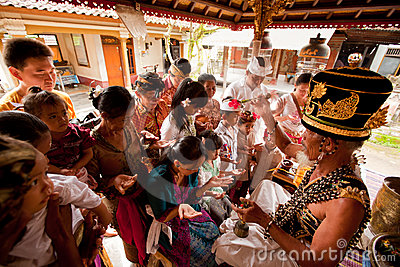 Hindu Brahmin during the ceremonies Editorial Photography