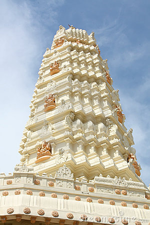 Hindu Temple Gleaming In The Sun Royalty Free Stock Image - Image: 6573736