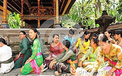 Hindu women in prayer Editorial Image