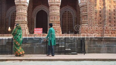 Hindu women visit Kantanagar Temple commonly known as Kantaji Temple or Kantajew Temple near Dinajpur, Bangladesh. KANTANAGAR, BANGLADESH - NOVEMBER 8, 2016 stock video footage