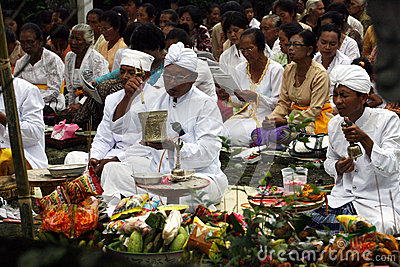Hindus pray Editorial Stock Photo