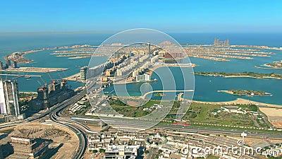 Hiperlapso aéreo de la isla Palm Jumeirah en Dubai, Emiratos Árabes Unidos Emiratos Árabes Unidos almacen de video