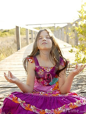 Free Hippy Purple Dress Teen Girl Relaxed Outdoors Royalty Free Stock Images - 9020119