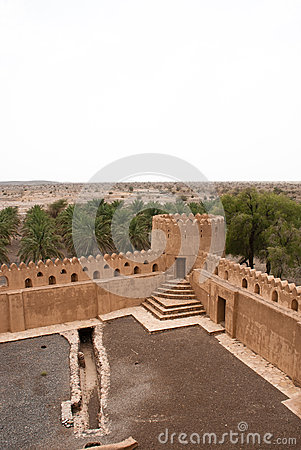 Free Historic Adobe Houses In Oman Royalty Free Stock Images - 34410359